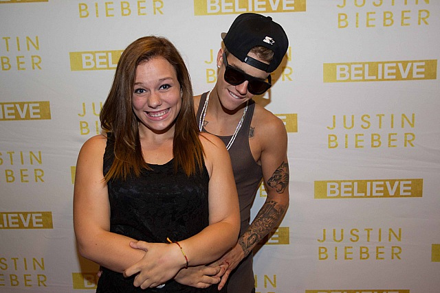 Justin bieber portal photos justin bieber meet greet in justin bieber meeting his fans indianapolis on july 10th m4hsunfo