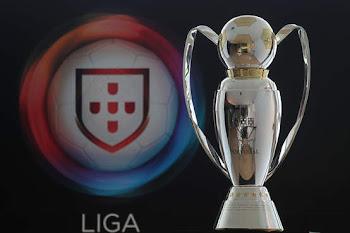 FC Porto festeja titulo com os adpetos após um empate a 3 golos com o Paços de Ferreira