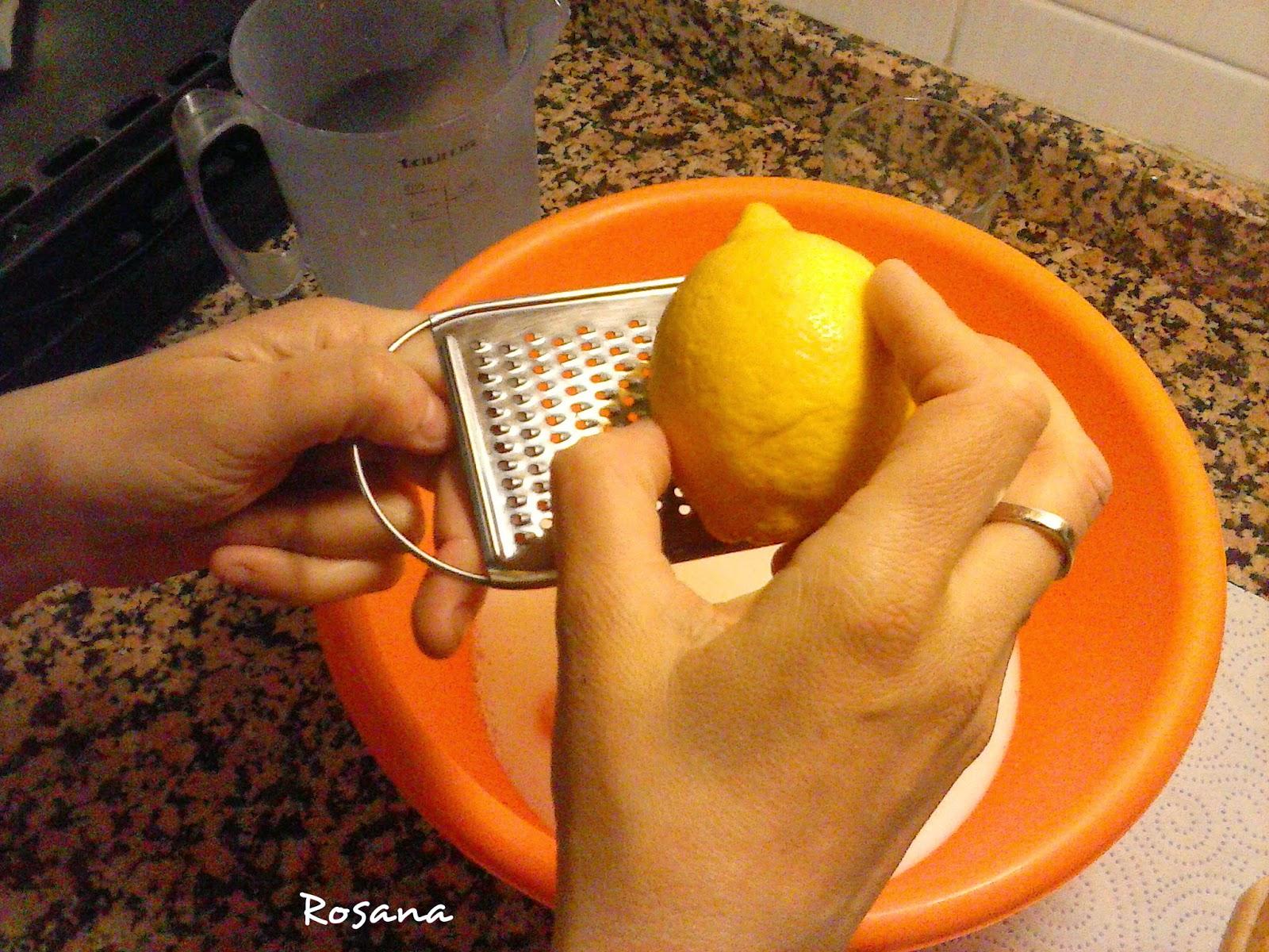 Rallamos la corteza de un limon