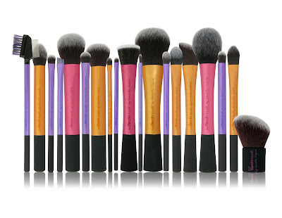http://www.briarrosebeauty.com/2012/02/28/pixiwoo-hit-boots-real-techniques-brushes-in-store-now/