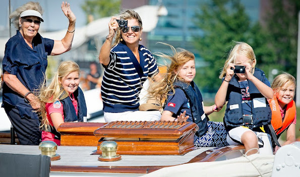 Queen Maxima and their three daughters Princess Amalia, Princess Alexia, Princess Ariane and Princess Beatrix
