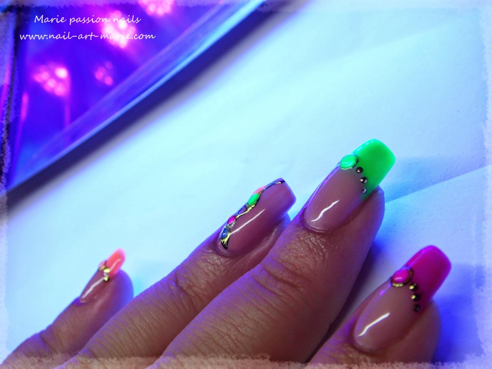 nail art fluo7