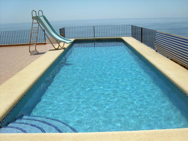 T cnico en mantenimiento de piscinas ofertas y precios en for Precio mantenimiento piscina