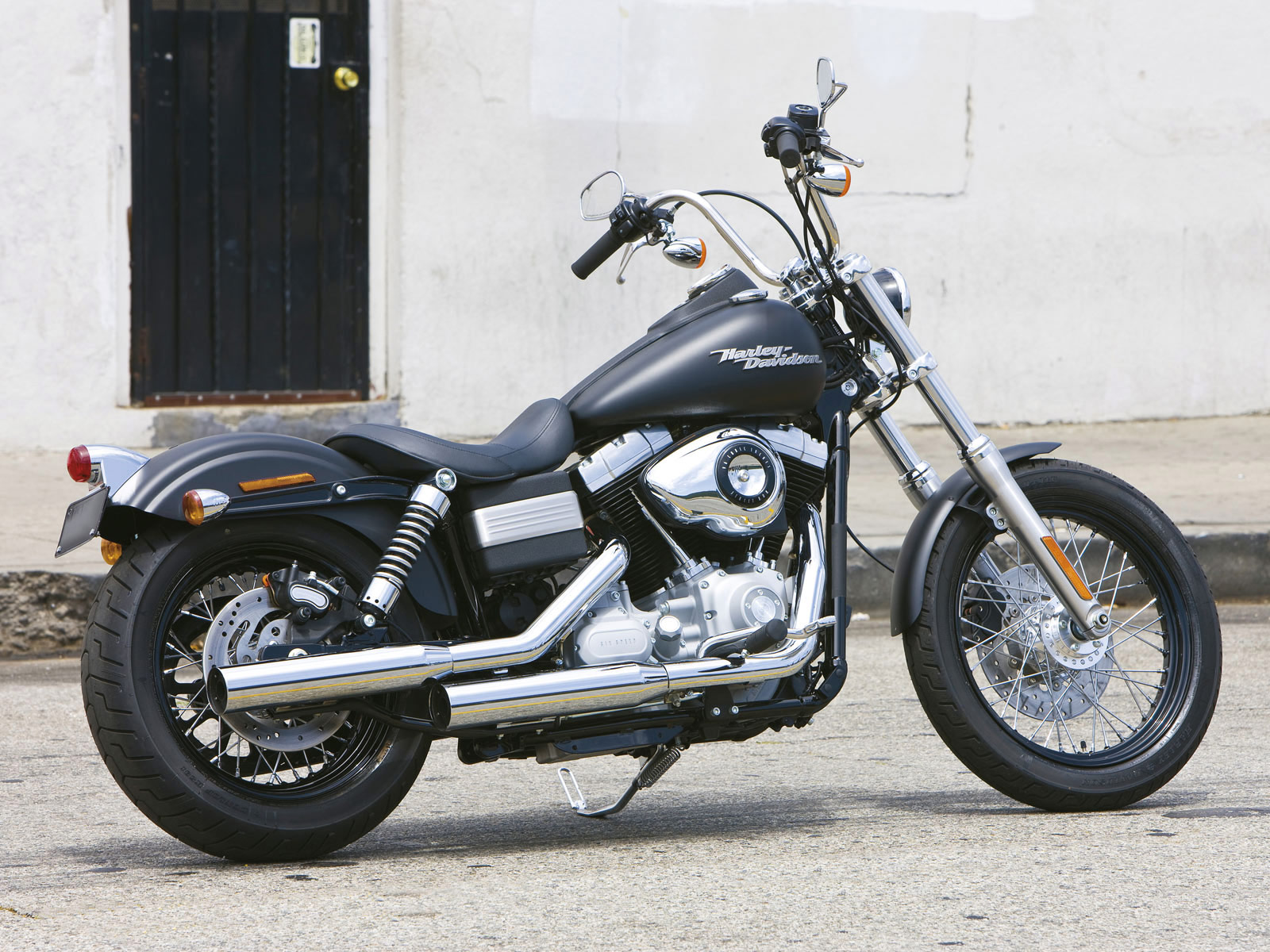 2009 FXDB Dyna Street Bob motorcycle pictures