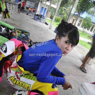 Foto Indri Barbie Setelah Balapan