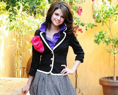 selena gomez. Selena Gomez 400x320