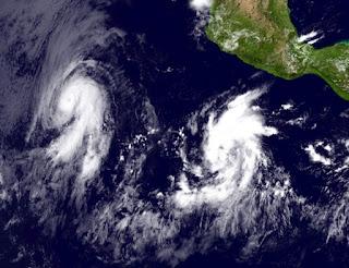 DANIEL baut ab, EMILIA legt zu, Emilia, Daniel, Satellitenbild Satellitenbilder, aktuell, Nordost-Pazifik, Pazifische Hurrikansaison, Hurrikansaison 2012, Juli, 2012,