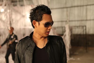 Mp3 Download Bondan Prakoso & Fade 2 Black - Manusia Sejuta Perkara