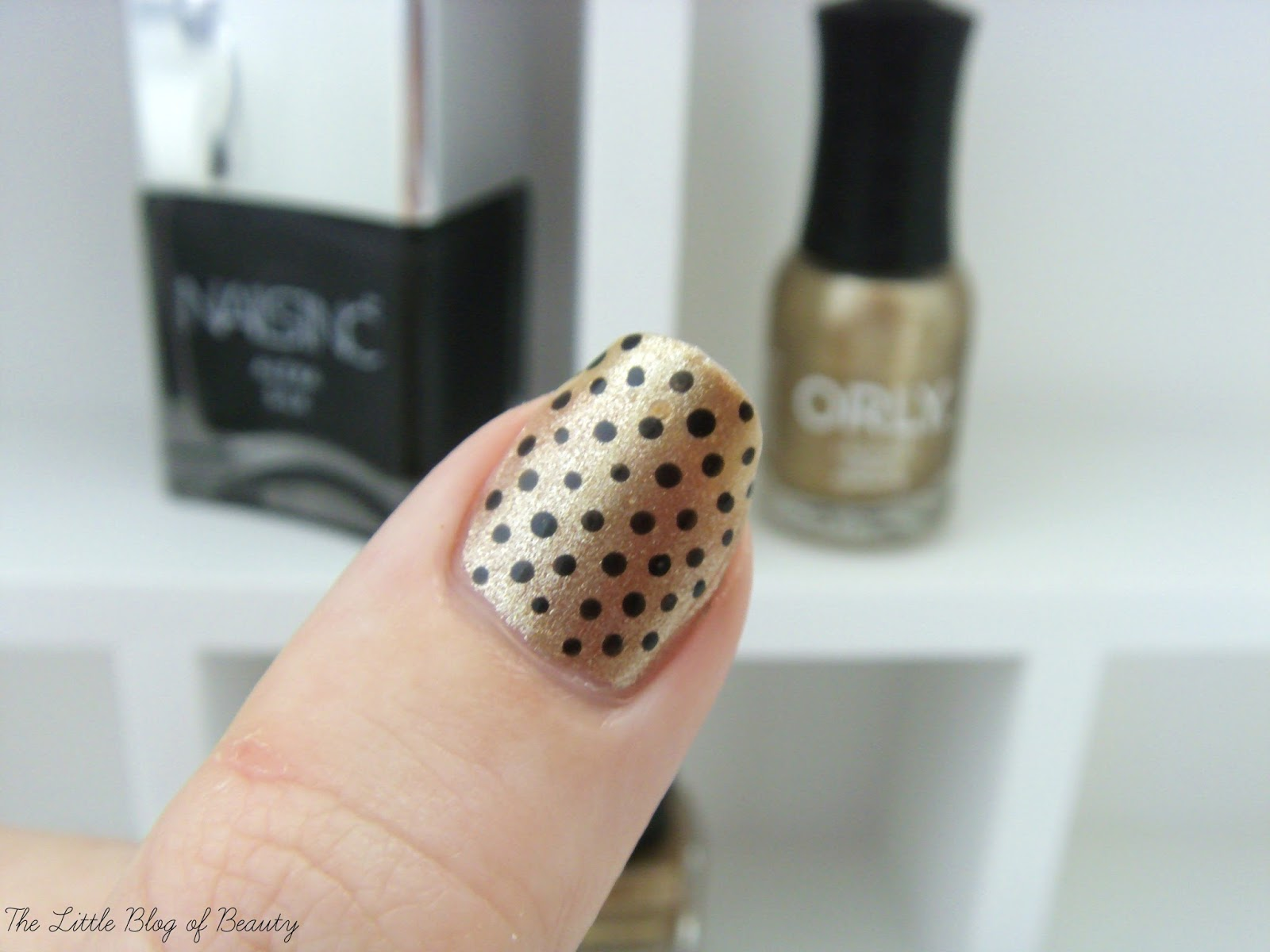 Nail art - Black and gold, black and gold, black and gold