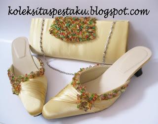 Tas Pesta dan Slop Pesta Gold Mewah Elegant