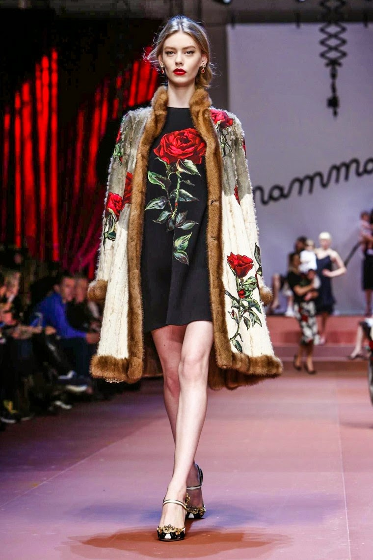 Dolce & Gabbana, Dolce & Gabbana AW15, Dolce & Gabbana FW15, Dolce & Gabbana Fall Winter 2015, Dolce & Gabbana Autumn Winter 2015, Dolce & Gabbana fall, Dolce & Gabbana fall 2015, du dessin aux podiums, dudessinauxpodiums, giambattista valli, vintage look, dress to impress, dress for less, boho, unique vintage, alloy clothing, venus clothing, la moda, spring trends, tendance, tendance de mode, blog de mode, fashion blog, blog mode, mode paris, paris mode, fashion news, designer, fashion designer, moda in pelle, ross dress for less, fashion magazines, fashion blogs, mode a toi, revista de moda, vintage, vintage definition, vintage retro, top fashion, suits online, blog de moda, blog moda, ropa, asos dresses, blogs de moda, dresses, tunique femme, vetements femmes, fashion tops, womens fashions, vetement tendance, fashion dresses, ladies clothes, robes de soiree, robe bustier, robe sexy, sexy dress