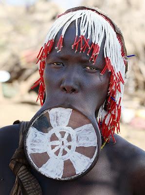 THE MURSI WOMEN OF SOUTHERN ETHIOPIA