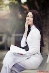 Có ai thích con gái mặc áo dài trắng không? :))