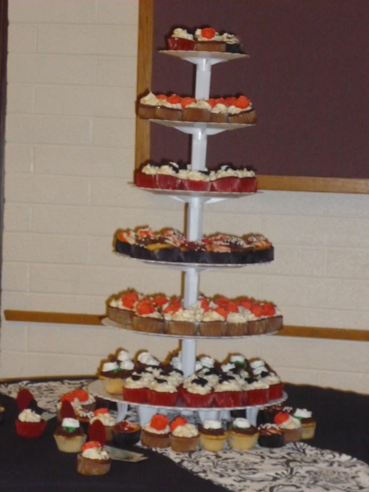 Cravings Alisha s Cupcakes Red Black and White Wedding