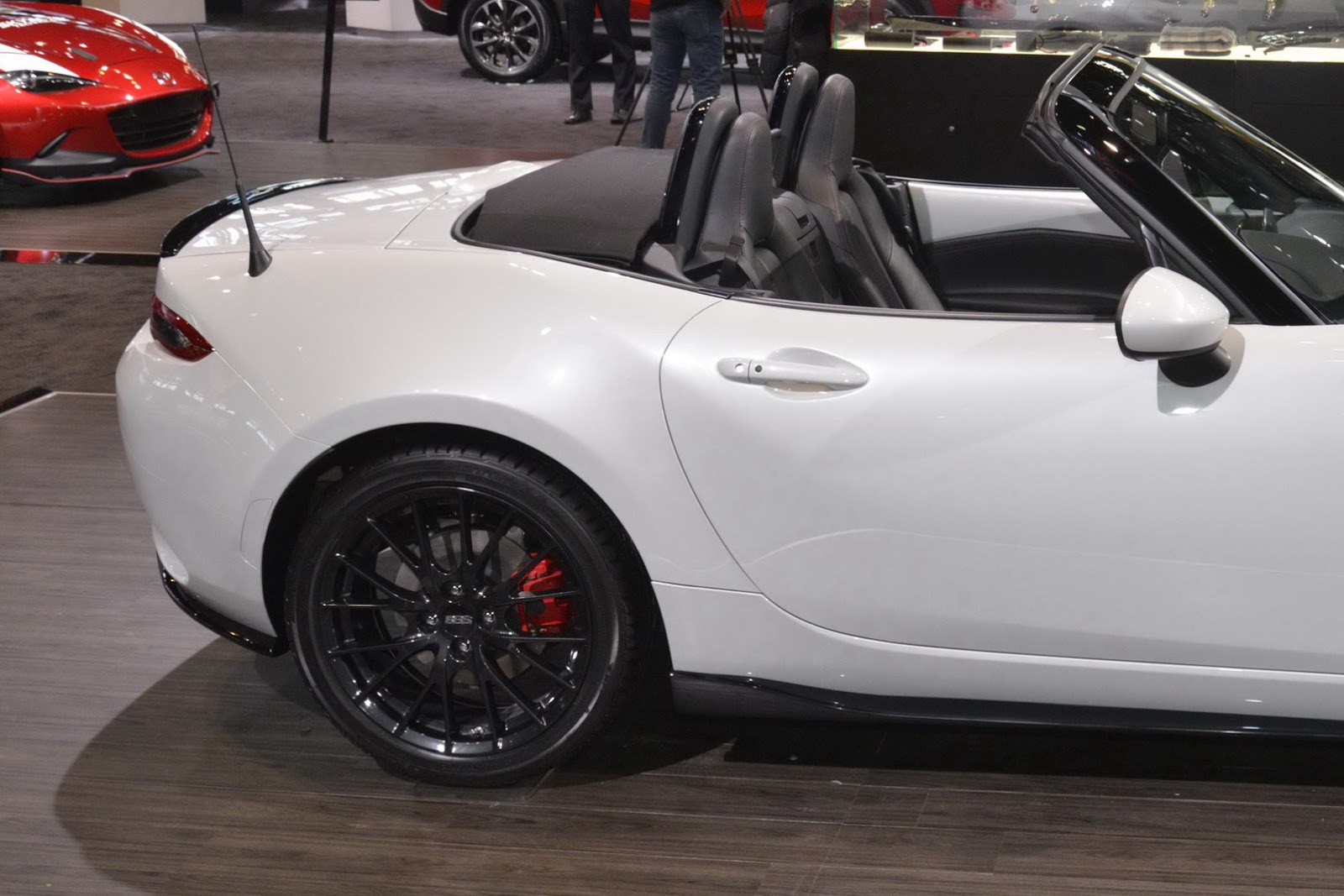 new 2016 mazda mx 5 looks so much better with a sports kit carscoops. Black Bedroom Furniture Sets. Home Design Ideas
