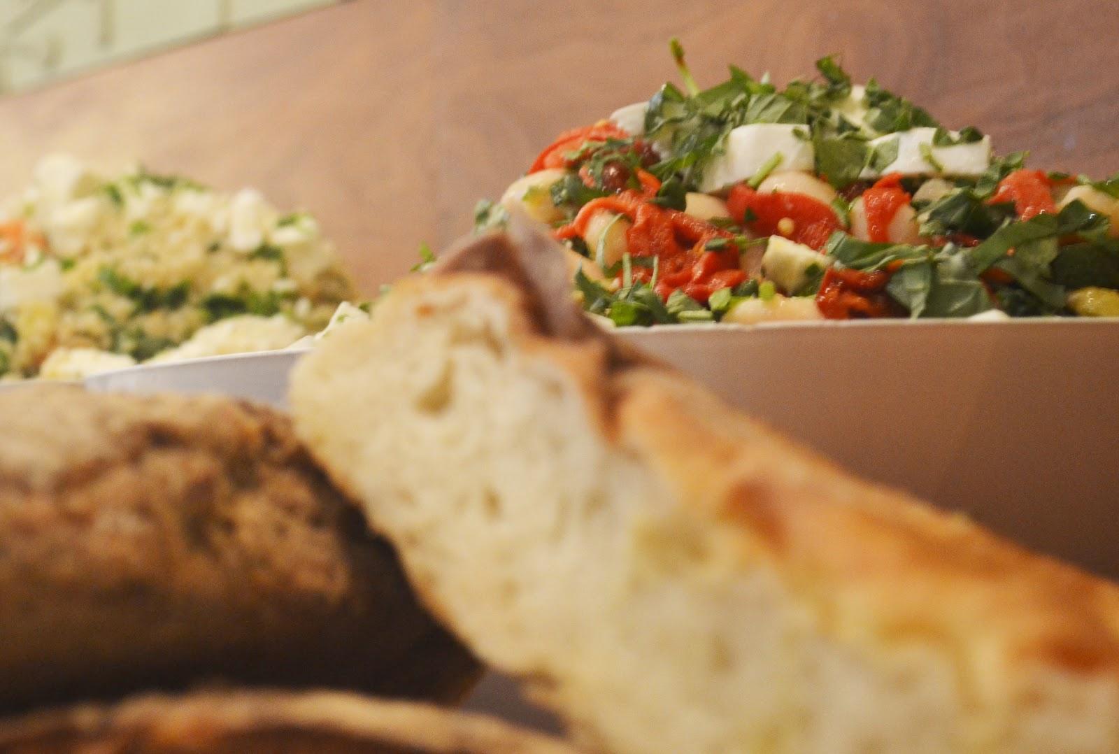 Mildred 39 s vegetarian recipes salad bar for Bar food vegetarian