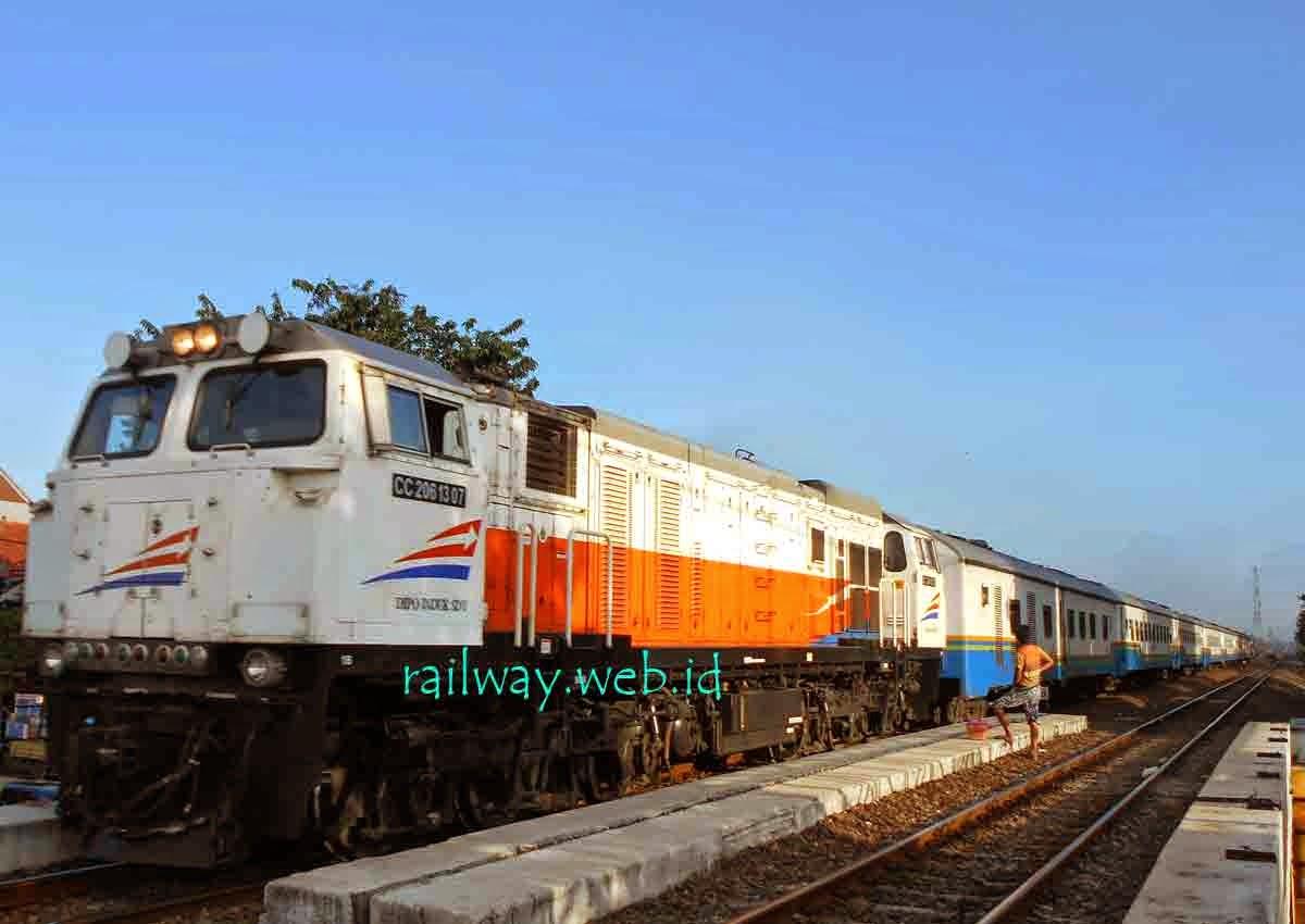 Jadwal Kereta Api Senja Utama Solo 2015