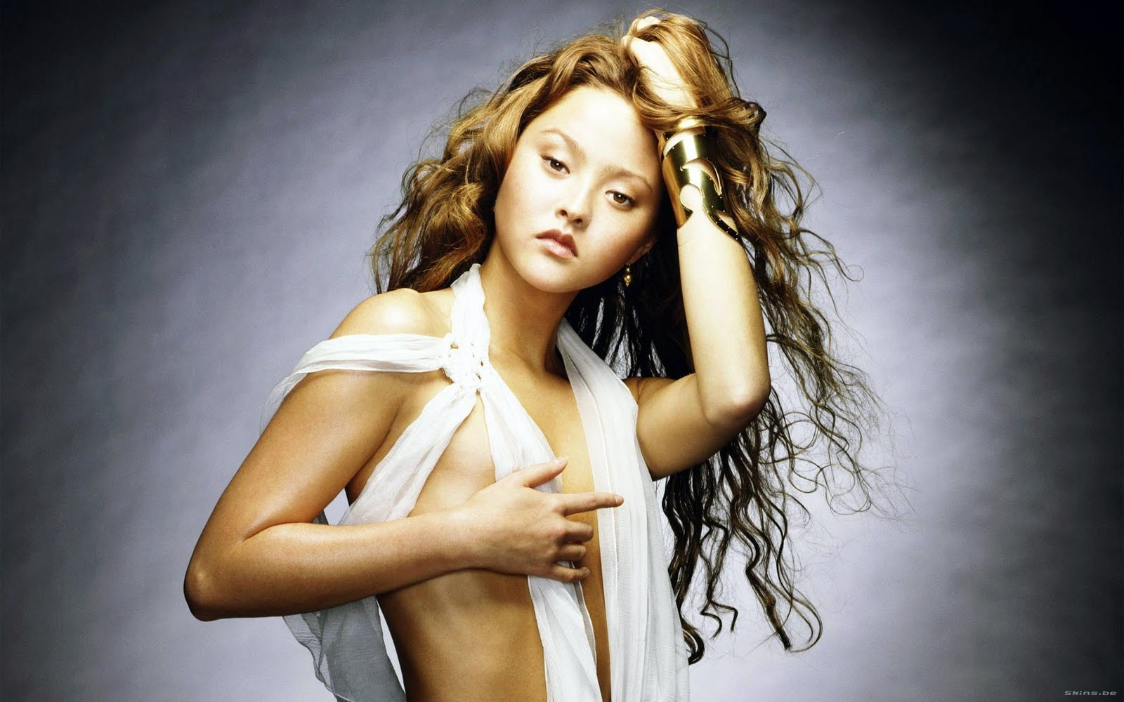 http://3.bp.blogspot.com/-wUpAINOSI10/Tbb9Gzjrn9I/AAAAAAAAOCY/vVFiY-FMuuU/s1600/american-model-actress-Devon-Aoki-wallpaper%2B%25282%2529.jpg