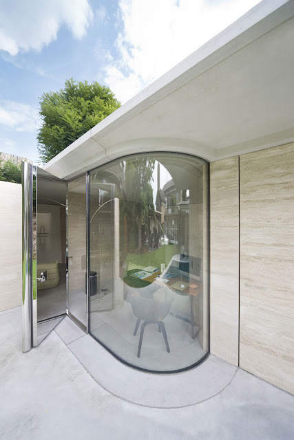 Lovely Glass House Design