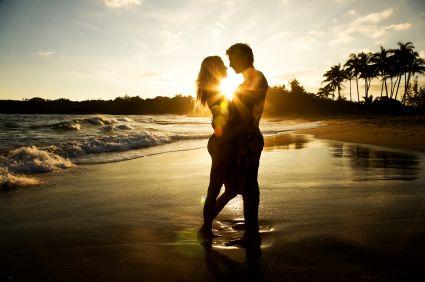 http://3.bp.blogspot.com/-wVRxL3jwpY0/TdDmeClUzAI/AAAAAAAAACU/tXzz5oQJaDY/s1600/fall-in-love.jpg