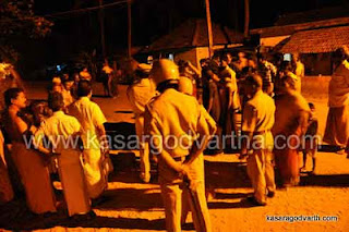 Clash, Bike, Merchant, Police, Protest, Vehicle, Police-station, Kasragod, Kerala, Malayalam News.