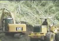 Hujan deras yang mengguyur selama sepekan di Tana Toraja menyebabkan terjadinya longsor di desa Sillanan, Kecamatan Gandangbatu sillanan, Kabupaten Tana Toraja. Propinsi Sulawesi Selatan, Jumat (16/12). Akibatnya beberapa desa di tiga kecamatan, masing-masing Kecamatan Gandangbatu Sillanan, Kecamatan Mengkendek dan Kecamatan Rano terisolir.