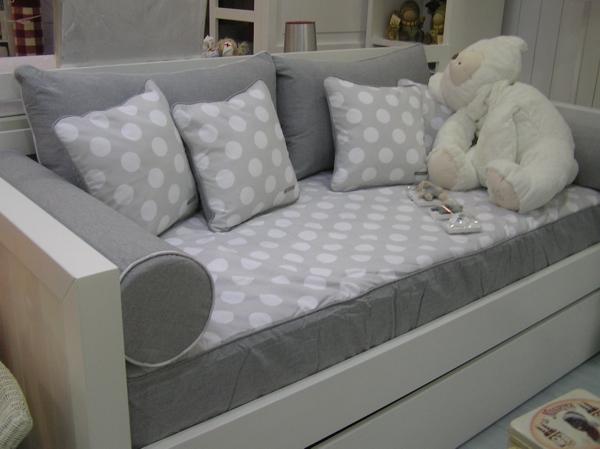 Piccolo 39 s decoraci n cama nido serie recta baby room - Cojines grandes para cama ...