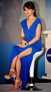 Anushka Sharma showing nude back Hot Photos in Blue Dress