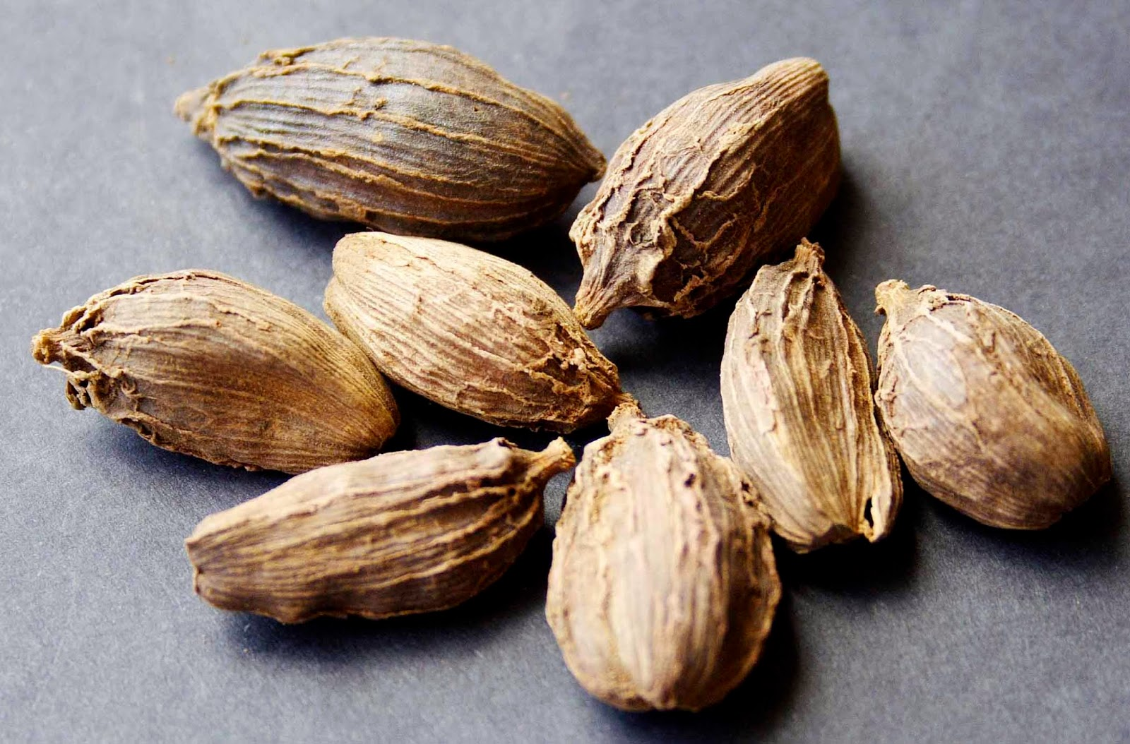 Benefits And Nutrition Of Black Cardamom For Health