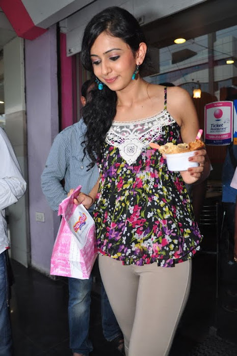 rakul preet singh new @ cream stone ice cream shop glamour  images