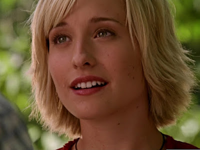 Allison Mack Pictures