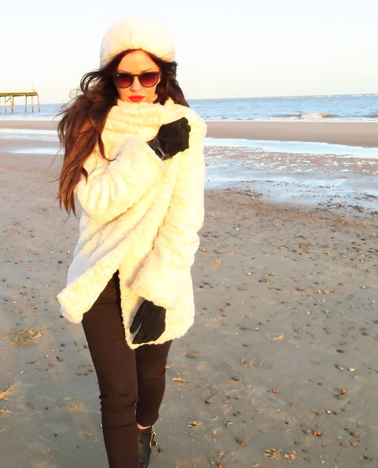 white-fur-coat-style @ hayleyeszti