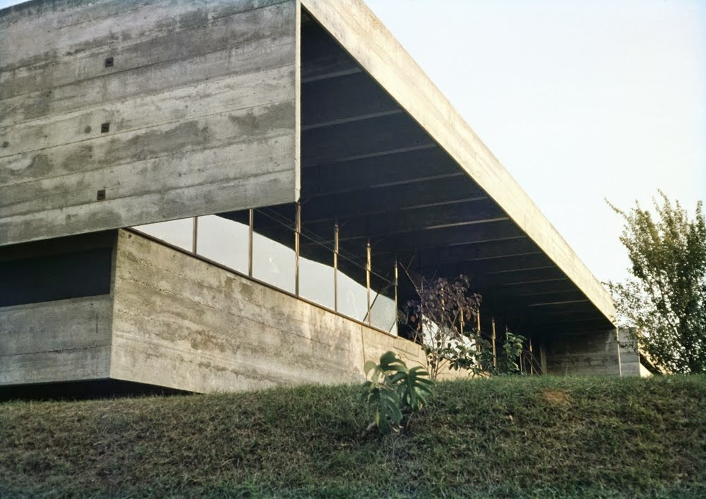 architectureandmadness paulo mendes da rocha casa butant san paolo. Black Bedroom Furniture Sets. Home Design Ideas