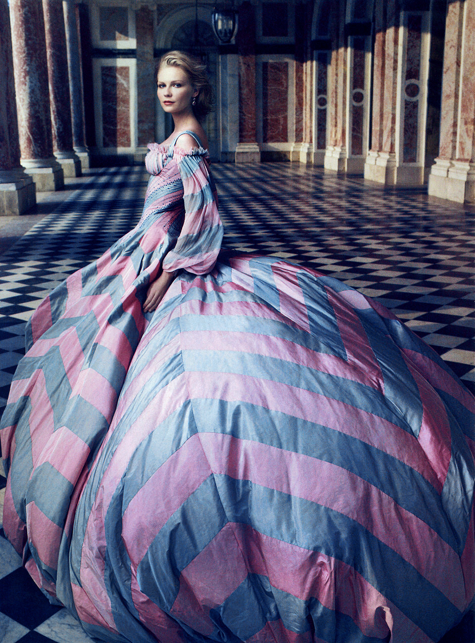 Chanel after coco coup de coeur vogue september 2006 for Haute couture photoshoot