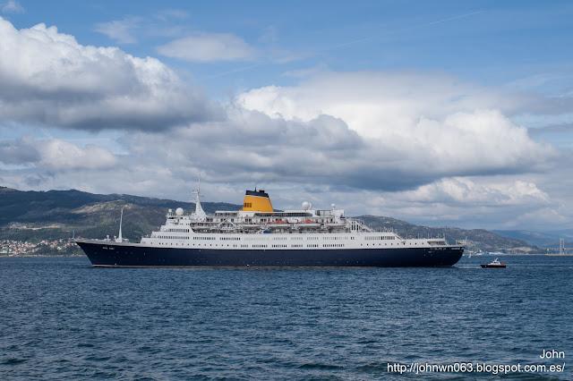 Saga Ruby, Passengers Ship, Cruiser ship, puerto de Vigo