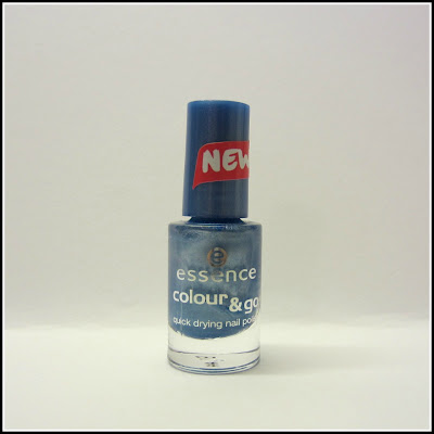 Swatch: essence colour & go No. 75 Gleam In Blue