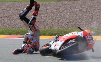 Valentino Rossi di Nyatakan Bersalah atas Terjatuhnya Marquez