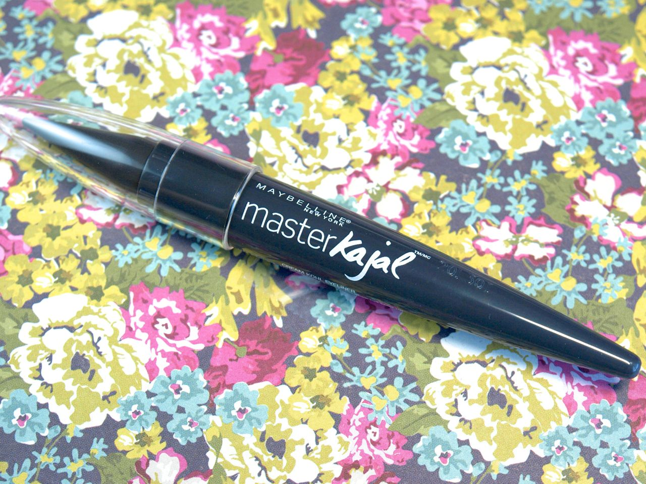 "Maybelline Master Kajal Stick Liner in ""Charcoal Skies"": Review and Swatches"