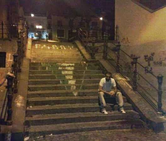 Scale Scusate il ritardo Massimo Troisi Napoli
