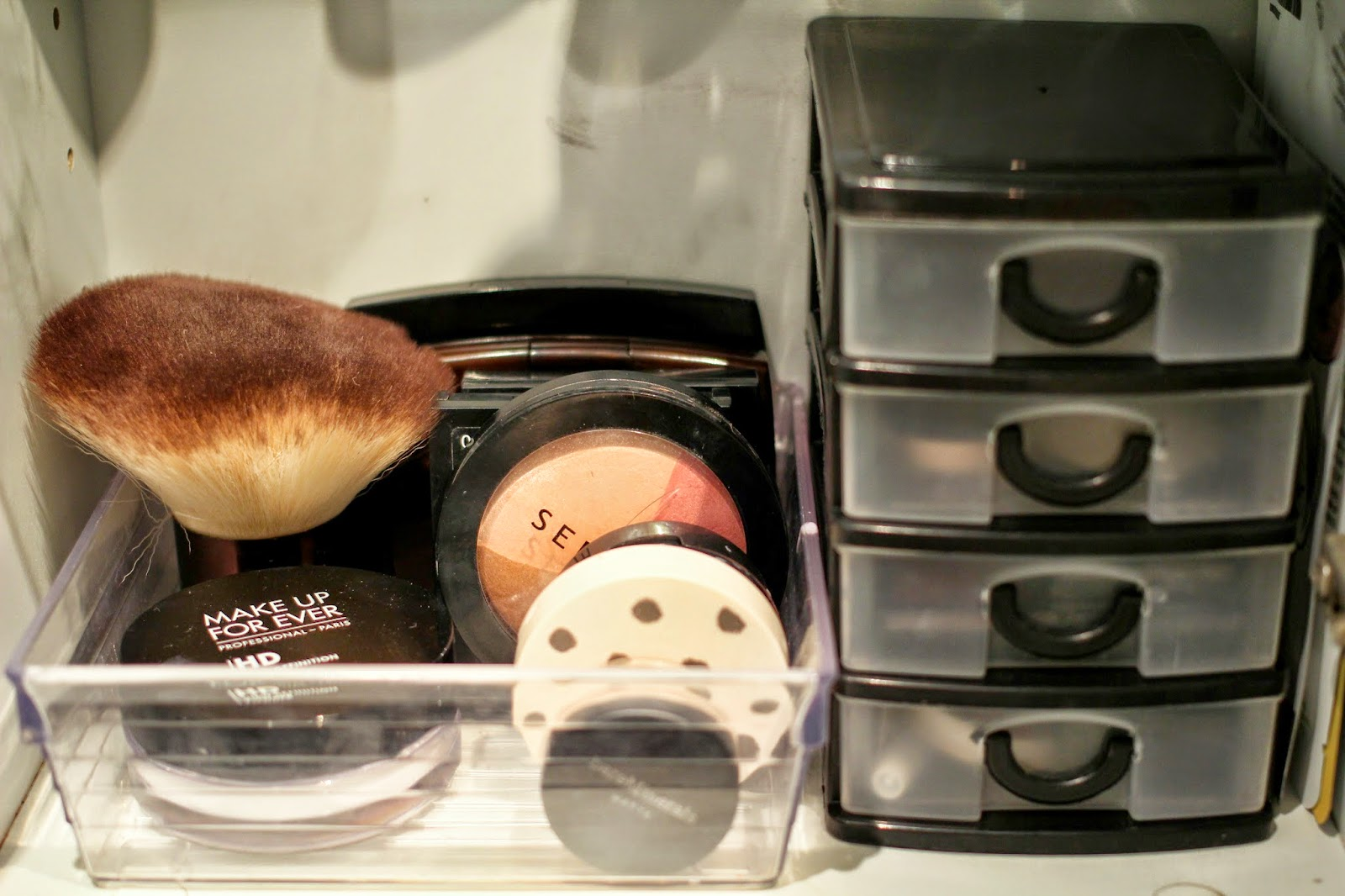 makeup organisation, blush collection, makeup storage, tips and tricks
