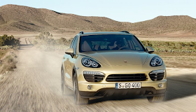 2011 Porsche Cayenne dirt road