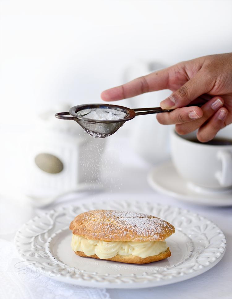#Eclairs #PâteAChouxPuff #Pastry #Dessert #EasyRecipe #Bake #MakeAheadDessert #Baking #Pastrycream #FoodPhotography #SimiJoisPhotography
