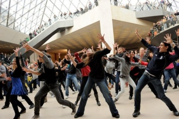 how to create a flash mob