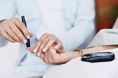 أهم النصائح الطبية لمريض السكري خلال فصل الصيف الحار