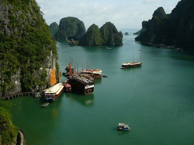 New 7 Wonders of Nature Halong%20bay%201