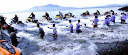 Bermain di Pantai Malayang
