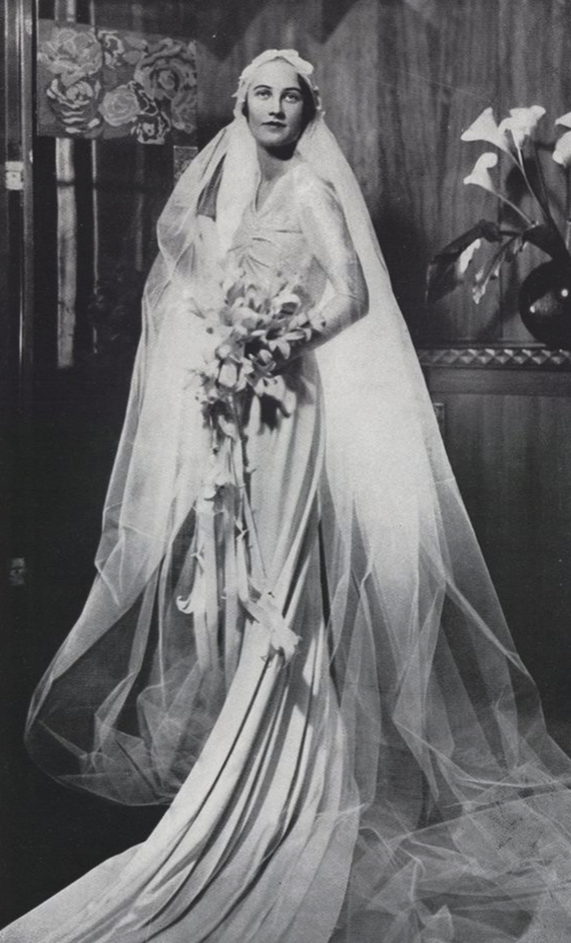 vintage everyday: 42 Glamorous Wedding Dresses From Between the ...