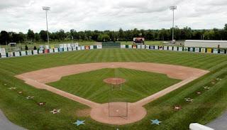 http://tutorialolahraga1.blogspot.com/2015/10/peraturan-permainan-softball-lengkap.html