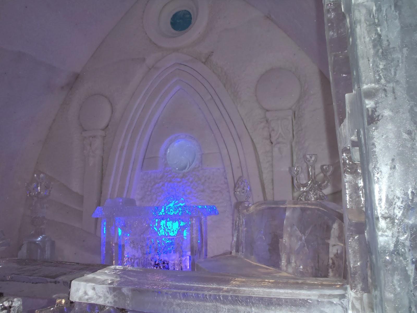 Hotel De Glace ice chapel