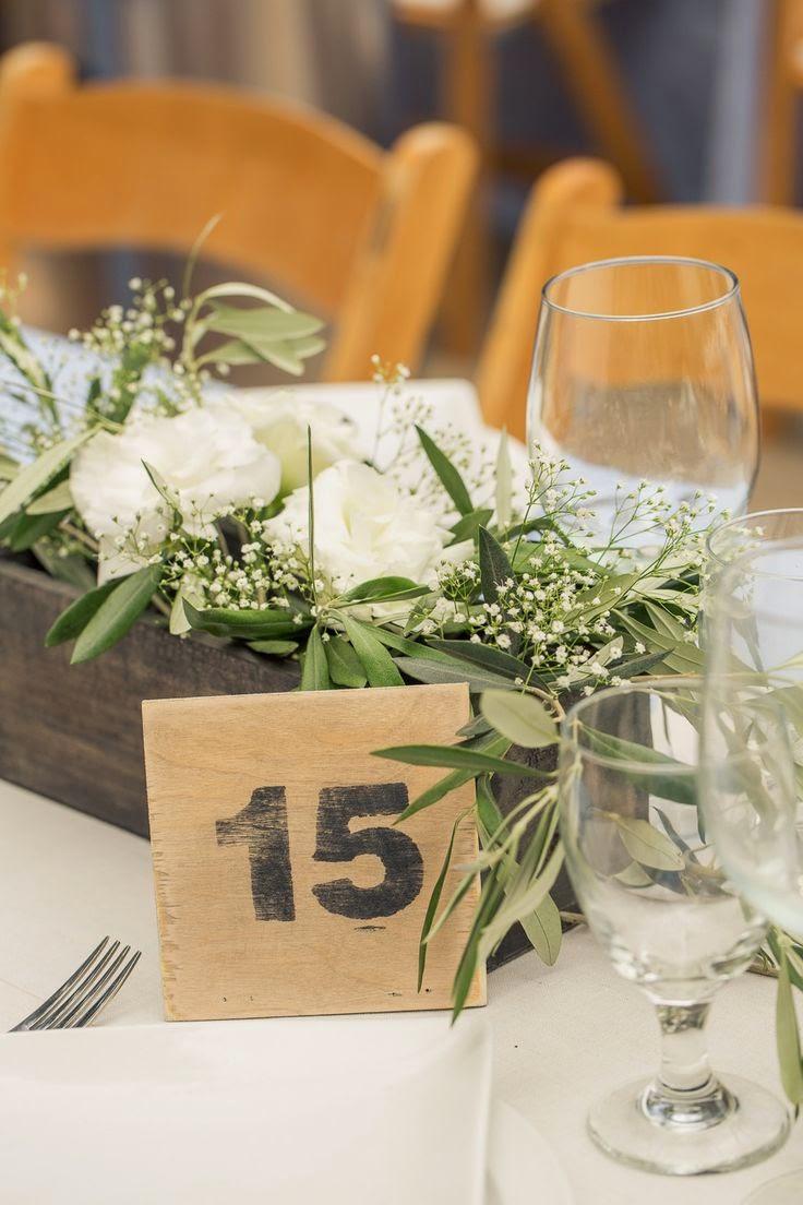 27 centros de mesa para bodas consigue una boda de cuento - Centros mesa salon ...